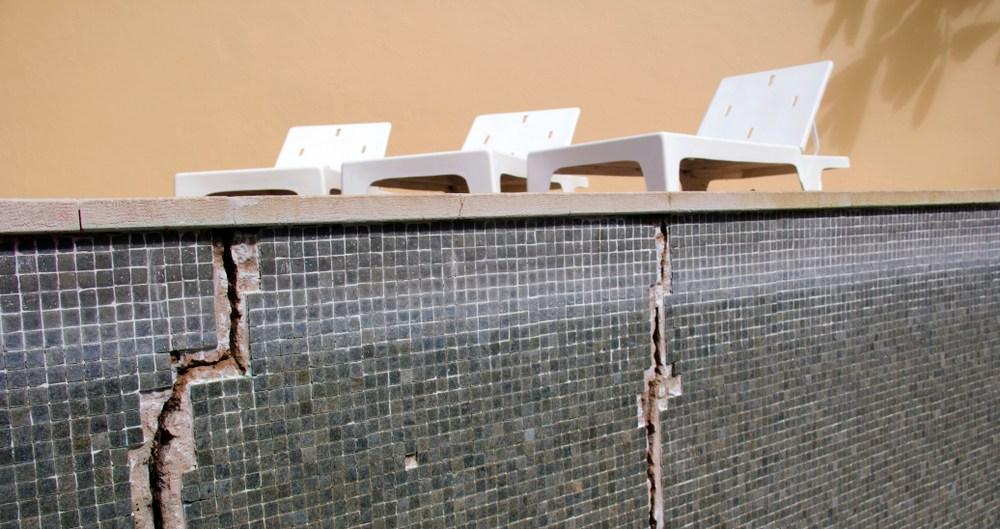 Repairing concrete pool cracks